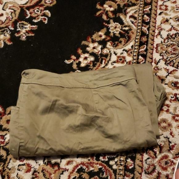 Avenue Pants - Green capris